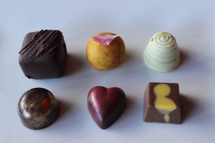 6 different dessert truffles.